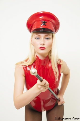 Latex Military Hat in red with black skull and crossbones size 56 (E)
